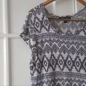 Almost Famous Aztec Loose Knit Tunic Tee Large
